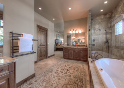 Hackamore 10 master bathroom2