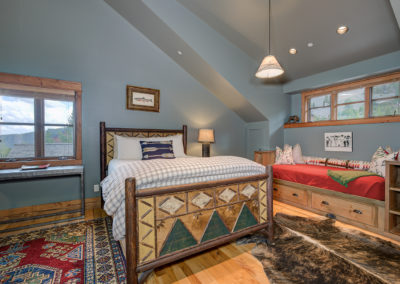 10 Halfhitch 1st upstairs bedroom1