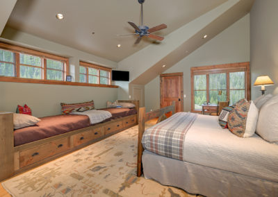10 Halfhitch 2nd upstairs bedroom1