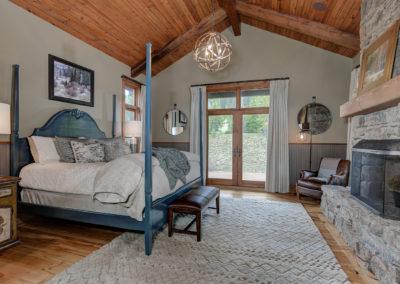 Halfhitch 10 master bedroom1