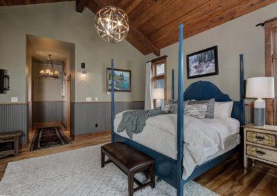Halfhitch 10 master bedroom2