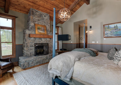 Halfhitch 10 master bedroom3
