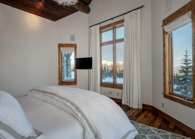 Hackamore 6 1st master bedroom2