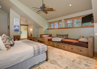 10 Halfhitch 2nd upstairs bedroom3 resized